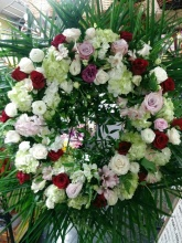 Mixed standing wreath with hydrangeas